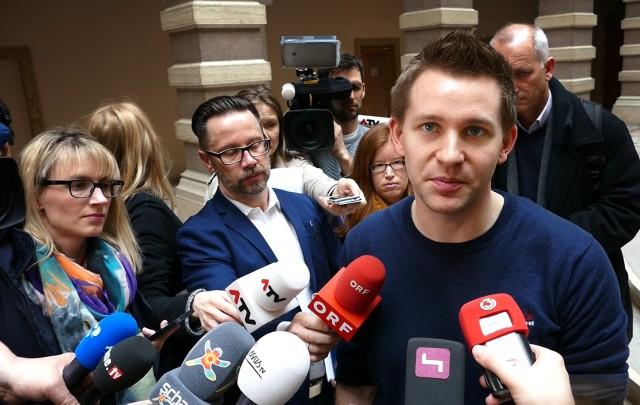 Nikolaj Sonne – Journalist and TV host recommends Facebookistan